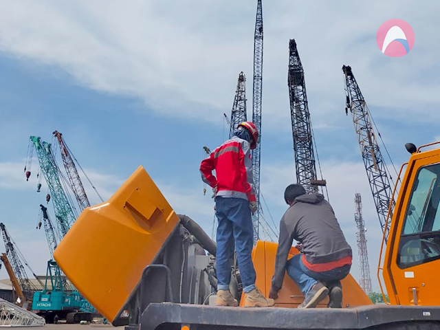 Read more about the article Inspection Heavy Equipment Before Lifting Rafter
